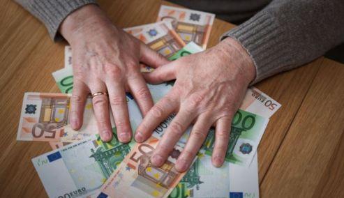Picture 0 for Έρχεται ρύθμιση για χρέη στην Εφορία με ελάχιστη δόση τα 50 ευρώ - Όλες οι λεπτομέρειες